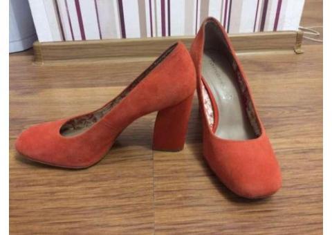 Pantofi piele Tamaris corai