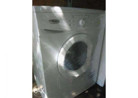 Vand masina  de spalat whirlpool