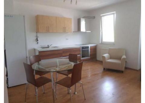 Vand Apartament 3 camere, mobilat si utilat.
