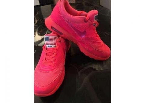 De vanzare  adidasi Nike