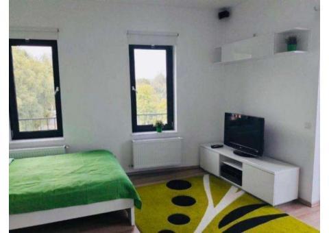 Vand apartament 1 camera,42mp, parcare privata+bariera, balcon, in Andrei Muresanu