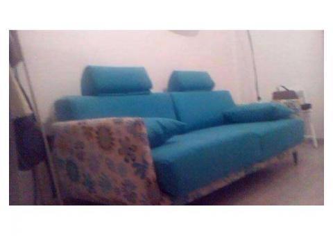 De vanzare canapea extensibila 3 locuri Noua