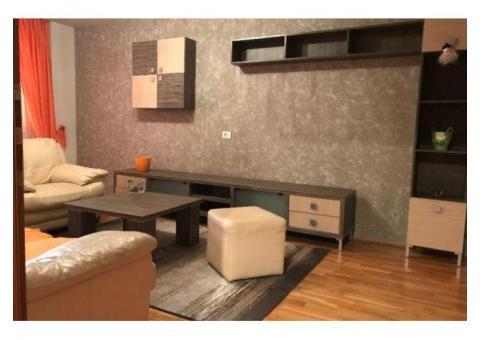 De vanzare  apartament 3 camere Decomandat zona Vlaicu